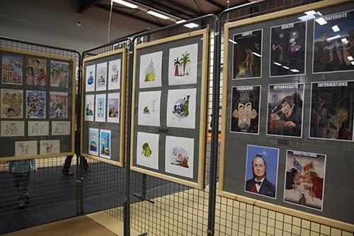 Le crapaud - Nicolas Jacquette - festival du dessin de presse de Saint-Just-Le-Martel octobre 2012 - panneau dédié à Jacquette et le crapaud dans l'exposition